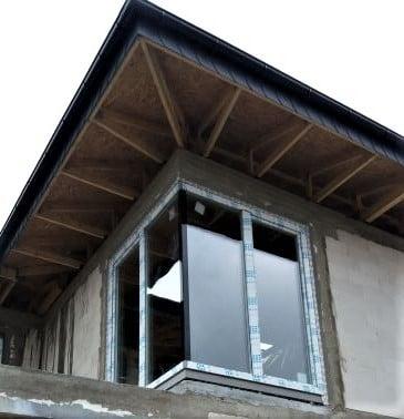 Niestandardowy montaż okien 1
