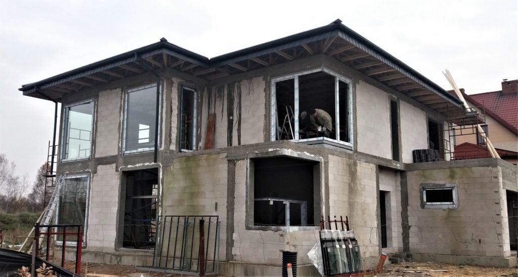 Niestandardowy montaż okien 2