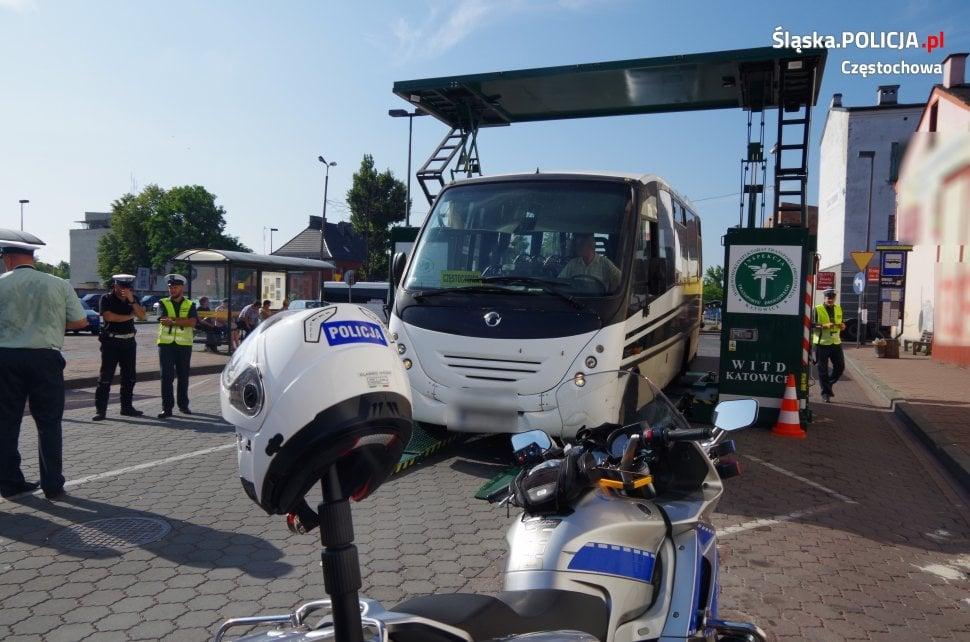Kiepski stan techniczny busów wożących pasażerów 1