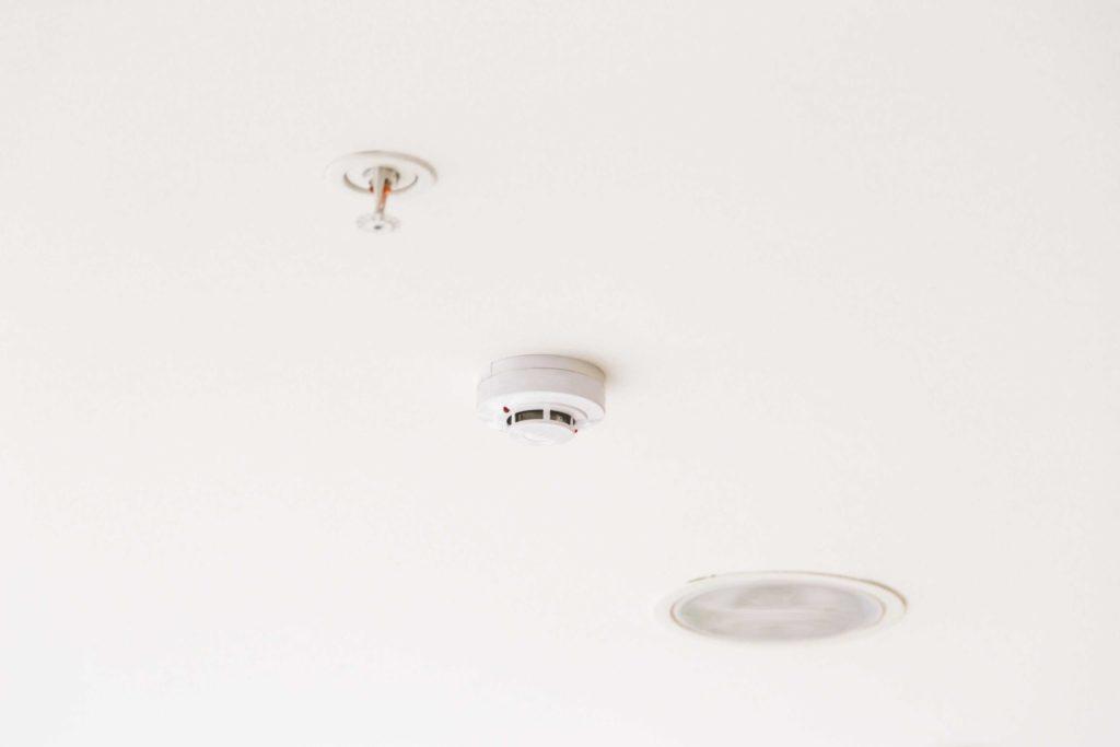 Czujnik dymu - niedoceniany strażnik w Twoim domu! 2
