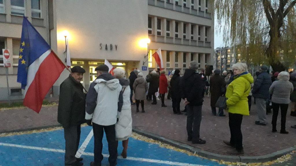 Protestowali w obronie wolnych sądów 1