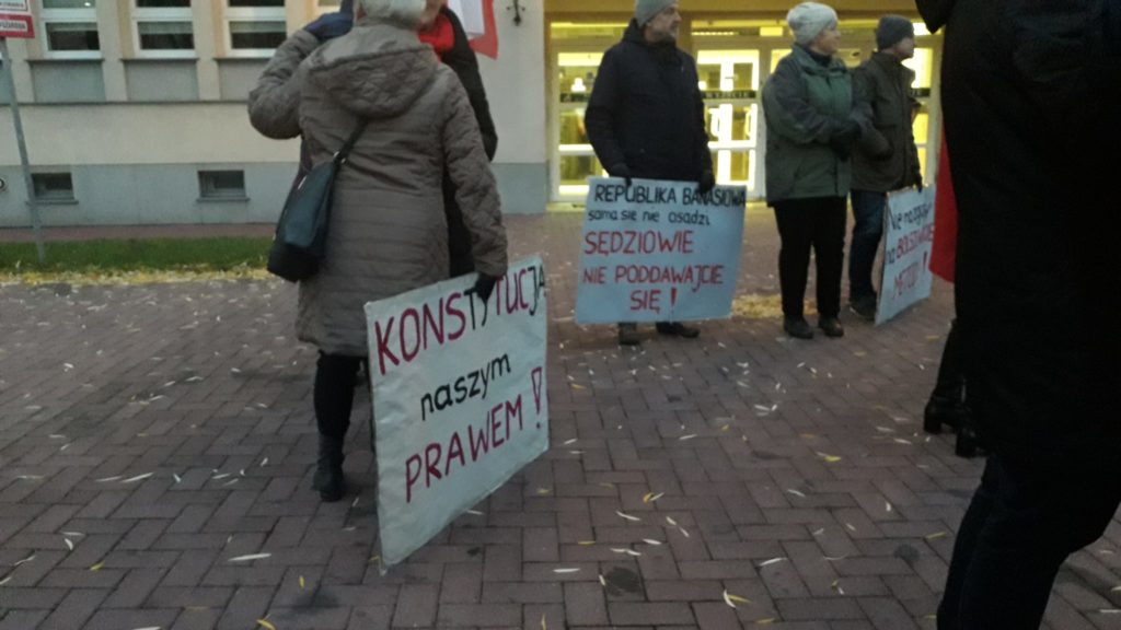 Protestowali w obronie wolnych sądów 2