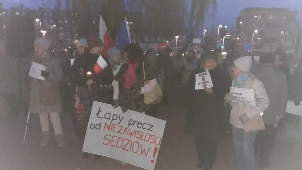 Protestowali w obronie wolnych sądów 3