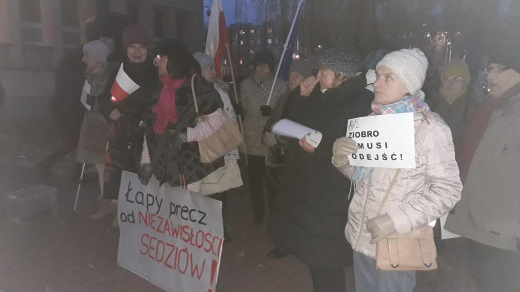 Protestowali w obronie wolnych sądów 4