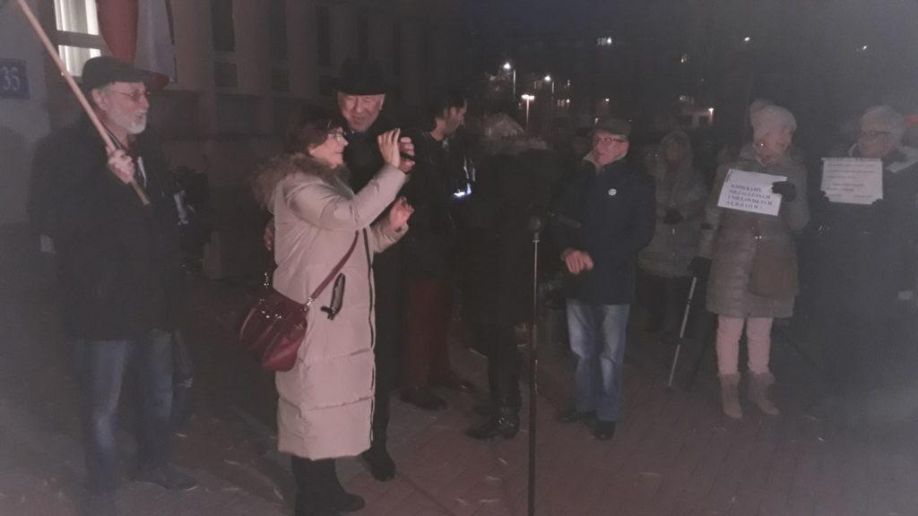 Protestowali w obronie wolnych sądów 7