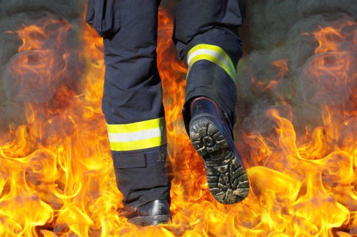 Pożar kamienicy w Kochcicach. Jedna osoba nie żyje. 2