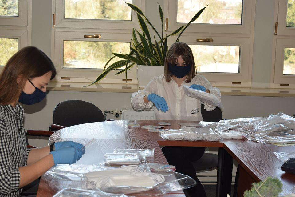 W Radomsku samorząd kupił maseczki dla mieszkańców 1