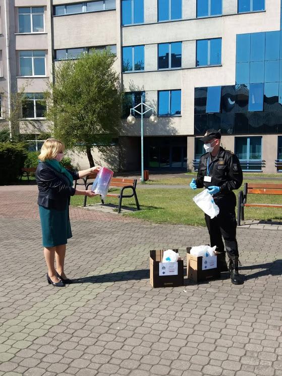 Strażacy dziękują uczelni za pomoc 1