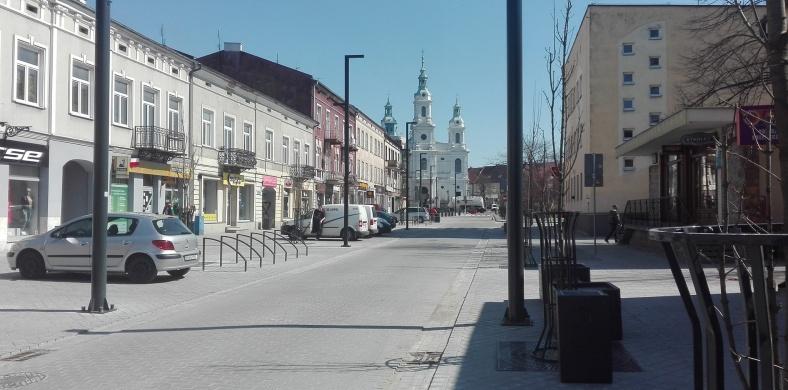 Ulica gotowa, Reymont na ławeczce, autobusy na starych trasach 1