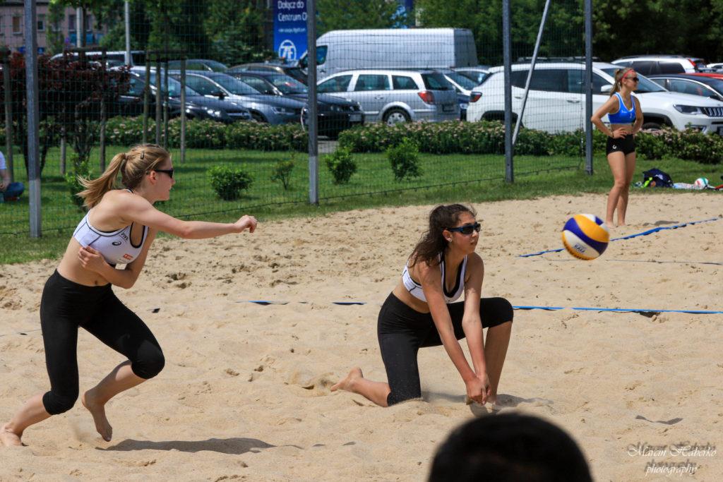 Siatkówka plażowa. Wśród kadetek bez medalu, ale Częstochowianka wprowadziła 2 pary do turnieju finałowego 1