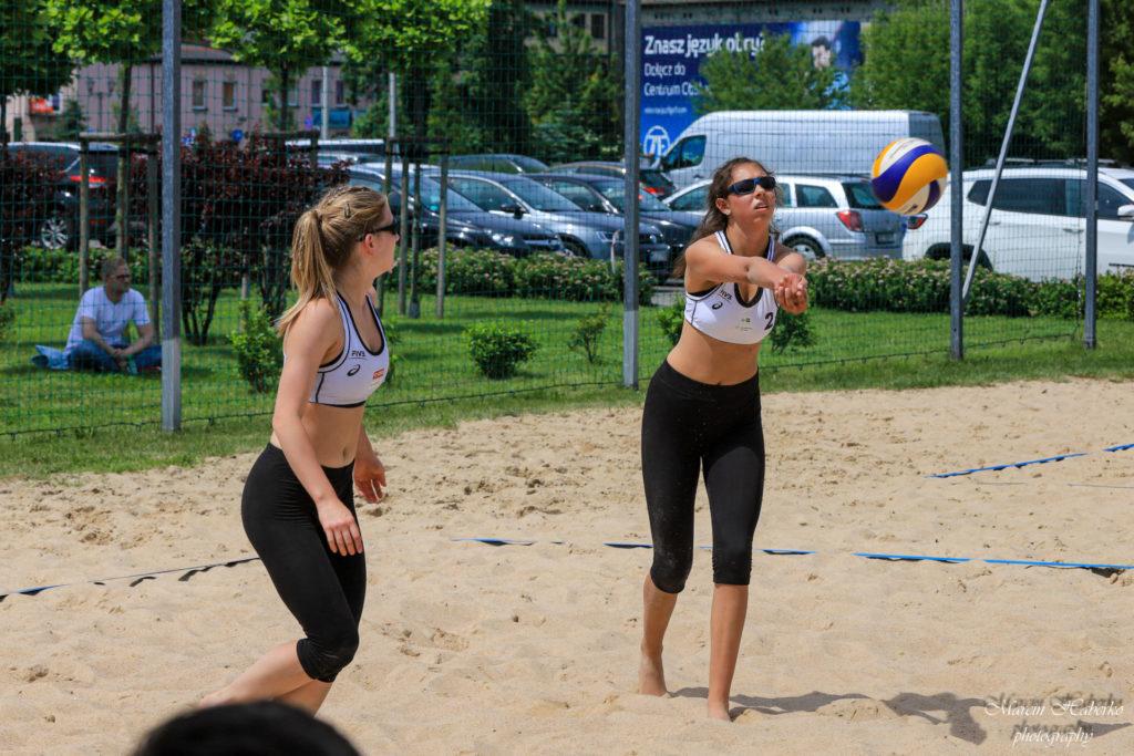 Siatkówka plażowa. Wśród kadetek bez medalu, ale Częstochowianka wprowadziła 2 pary do turnieju finałowego 3
