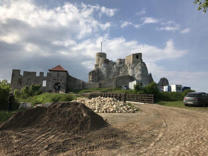 Zamek Rabsztyn (archiwum Miejskiego Ośrodka Kultury w Olkuszu)