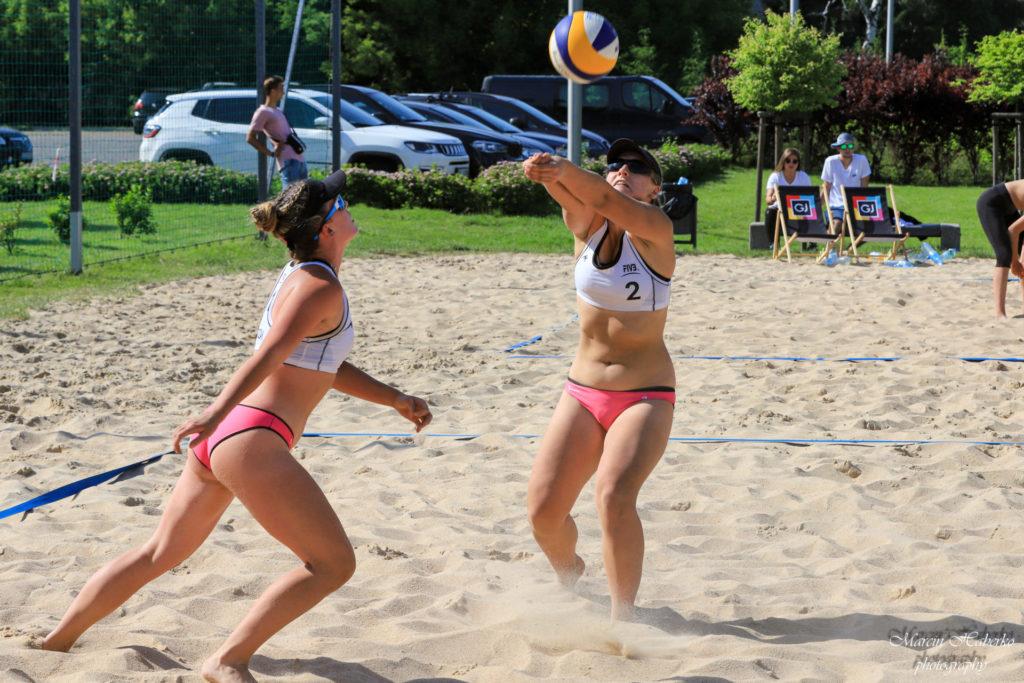 Siatkówka plażowa. Wśród kadetek bez medalu, ale Częstochowianka wprowadziła 2 pary do turnieju finałowego 8