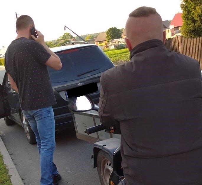 Pijany motorowerzysta zatrzymany przez dwóch policjantów po służbie. 2