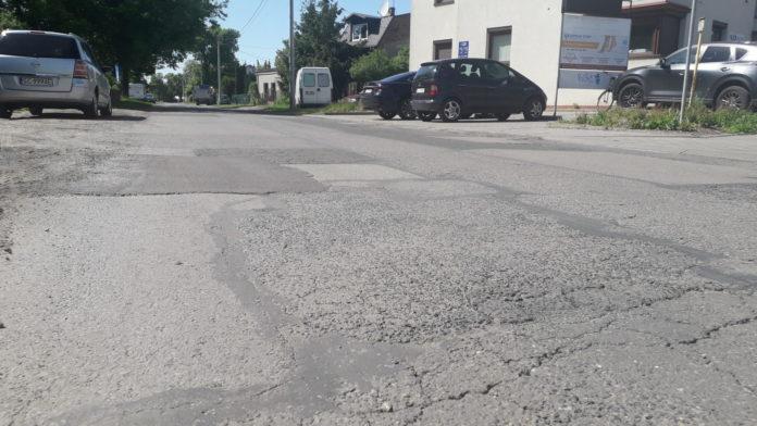 Potrzebny szybki remont ulicy Sikorskiego 2