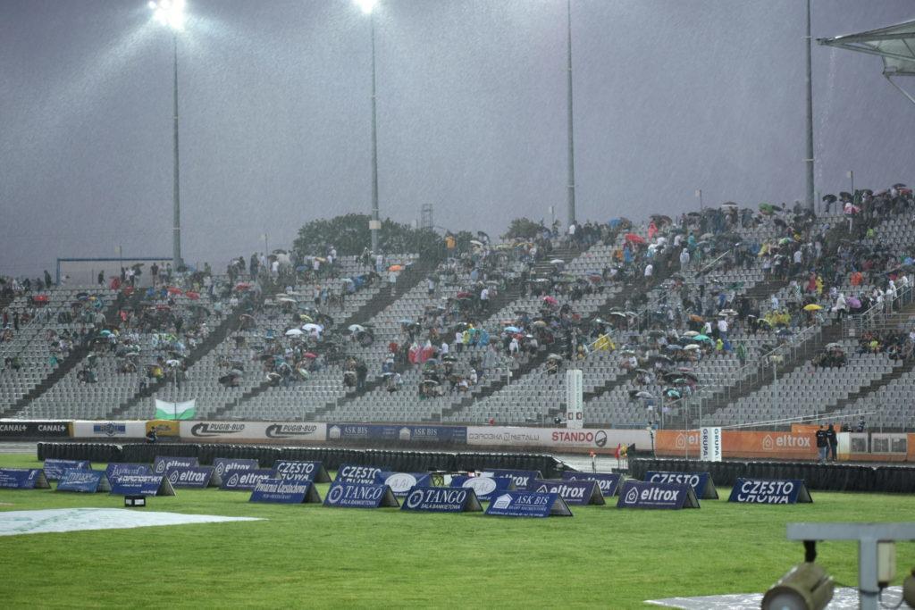 Eltrox Włókniarz przez opady deszczu nie ścigał się dziś z Fogo Unią Leszno. Mecz z mistrzem Polski i 1. zespołem PGE Ekstraligi został odwołany 4
