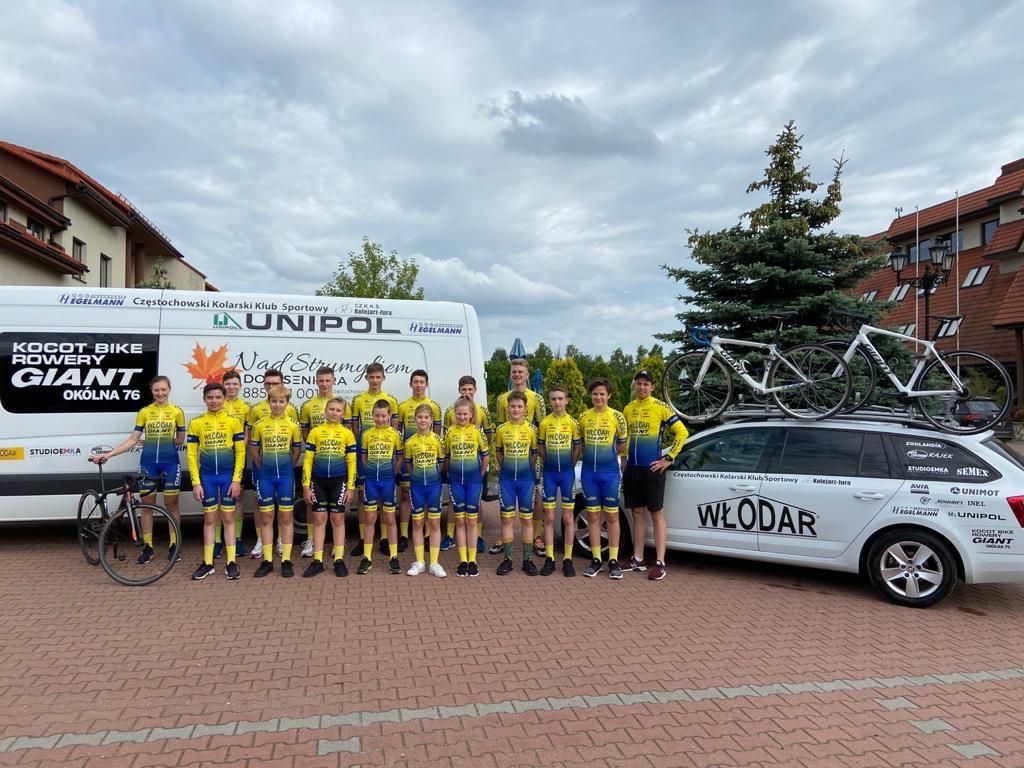 Młodzi kolarze Kolejarz Jura Częstochowa ścigali się w 2 wyścigach i przywieźli medale 4