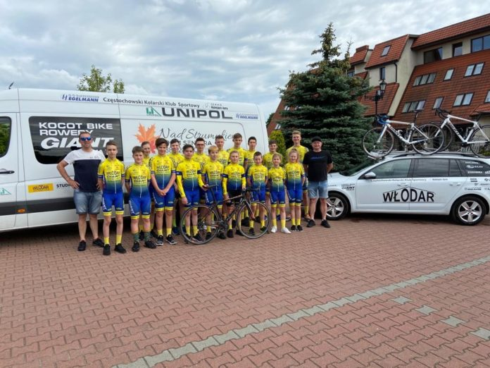 Młodzi kolarze Kolejarz Jura Częstochowa ścigali się w 2 wyścigach i przywieźli medale 6