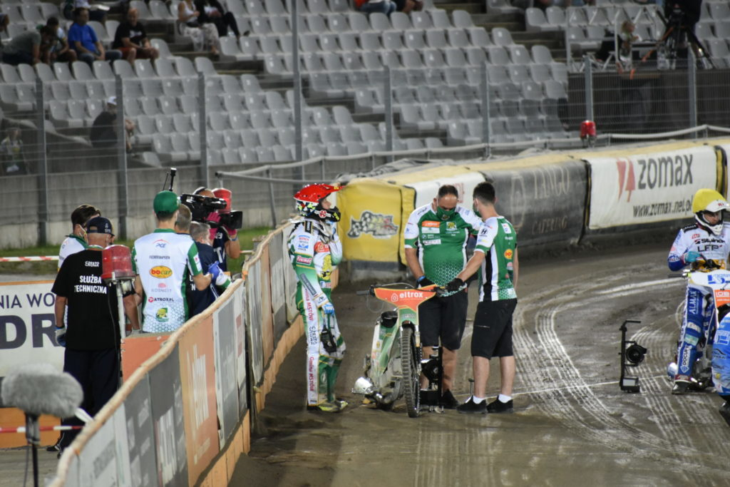 Eltrox Włókniarz przegrał w środę u siebie z Fogo Unią 41:49. A w niedzielę mecz we Wrocławiu 2