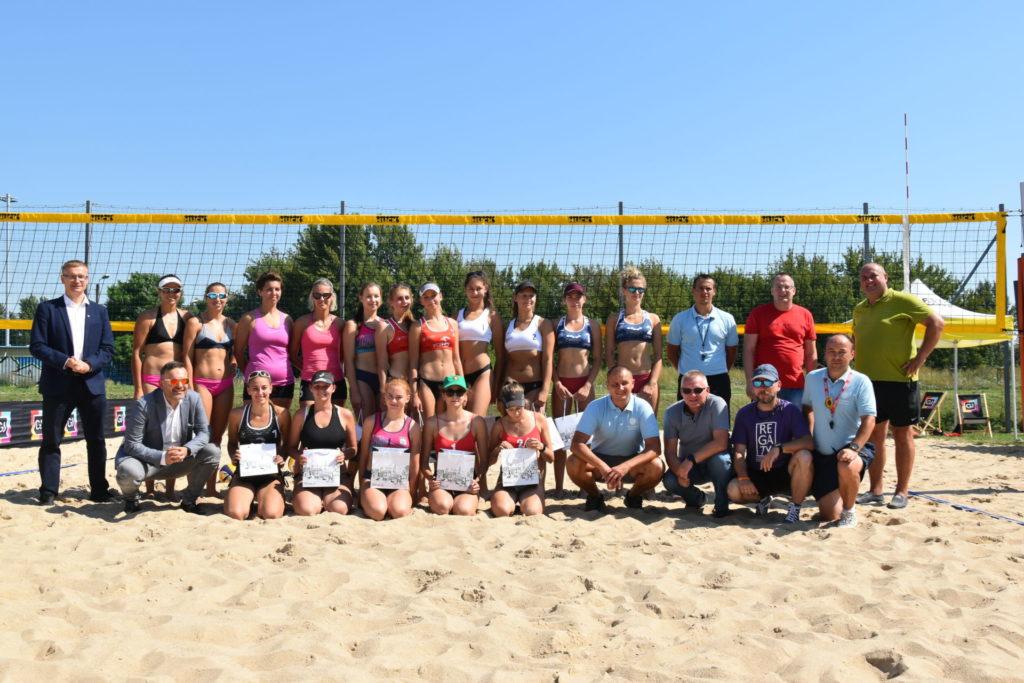 Karolina Wróbel i Aleksandra Smykla wygrały III edycję Pucharu Śląska w siatkówce plażowej kobiet 1
