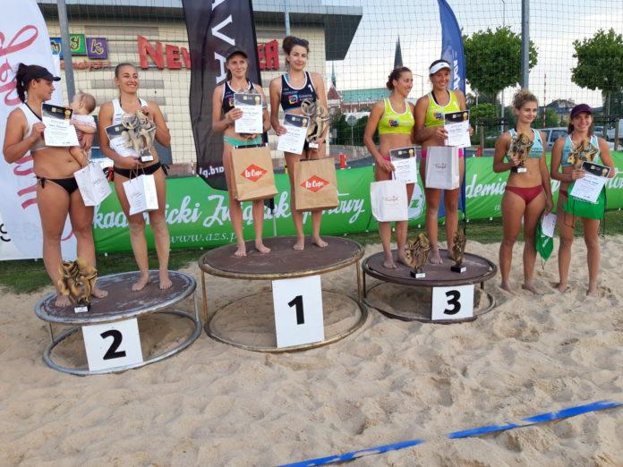 Karolina Wróbel i Aleksandra Smykla wygrały III edycję Pucharu Śląska w siatkówce plażowej kobiet 6