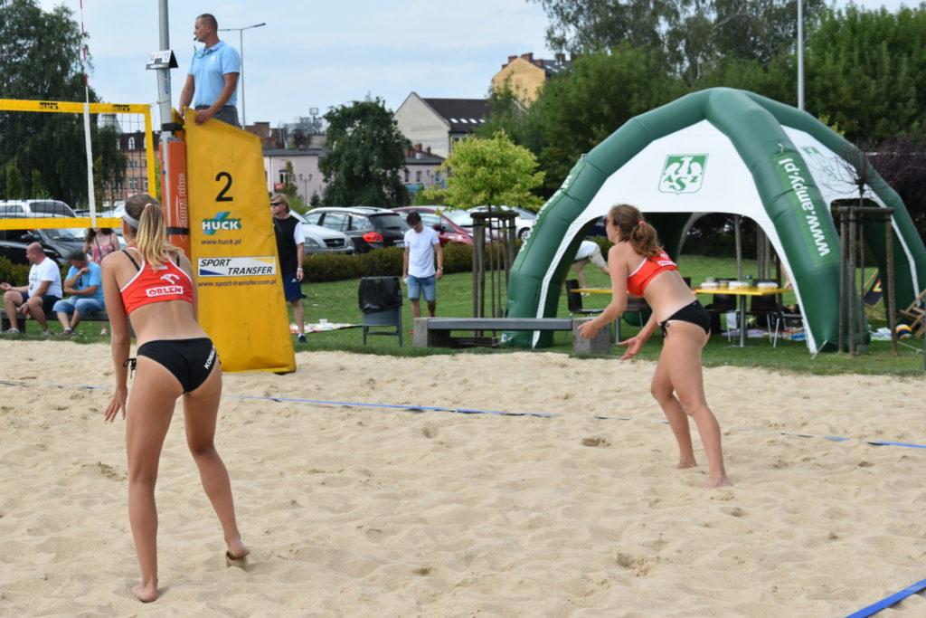 Karolina Wróbel i Aleksandra Smykla wygrały III edycję Pucharu Śląska w siatkówce plażowej kobiet 2