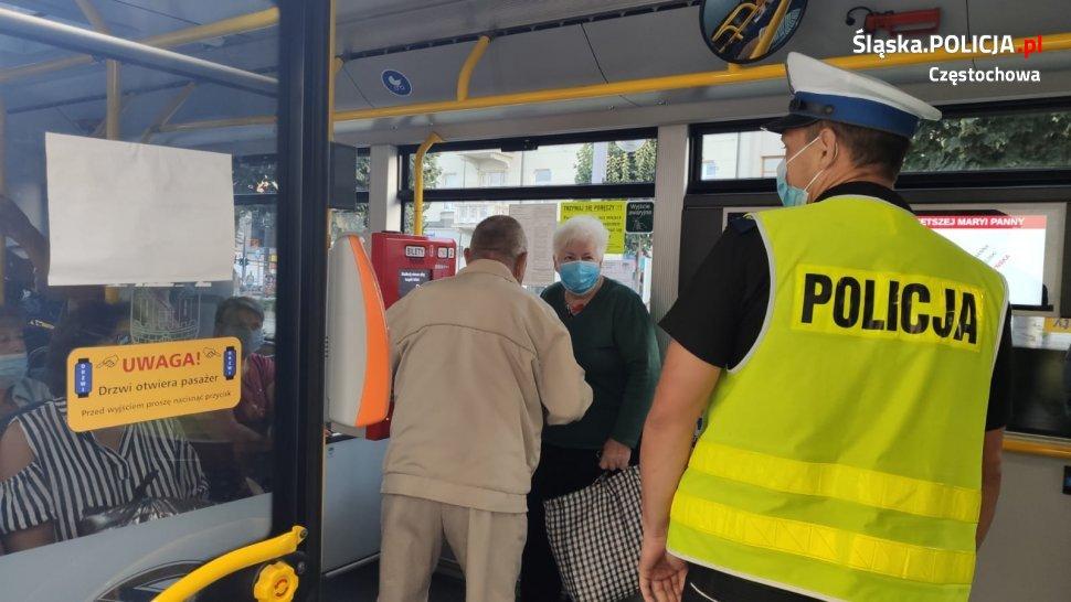 Częstochowska policja sprawdza, czy podróż miejskimi autobusami jest bezpieczna 2