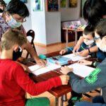 """W ramach akcji  """"LATO W MUZEUM 2020"""" w Radomskim muzeum odbyły się zajęcia rękodzieła ludowego 5"""