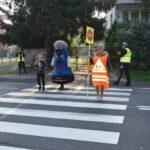"""Akcja """"Bezpieczne Radomsko"""" przed SP nr 5 8"""