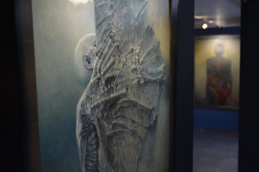 """Wystawa """"Beksiński. Drugie Muzeum"""" prezentowana w Miejskiej Galerii Sztuki w Częstochowie"""
