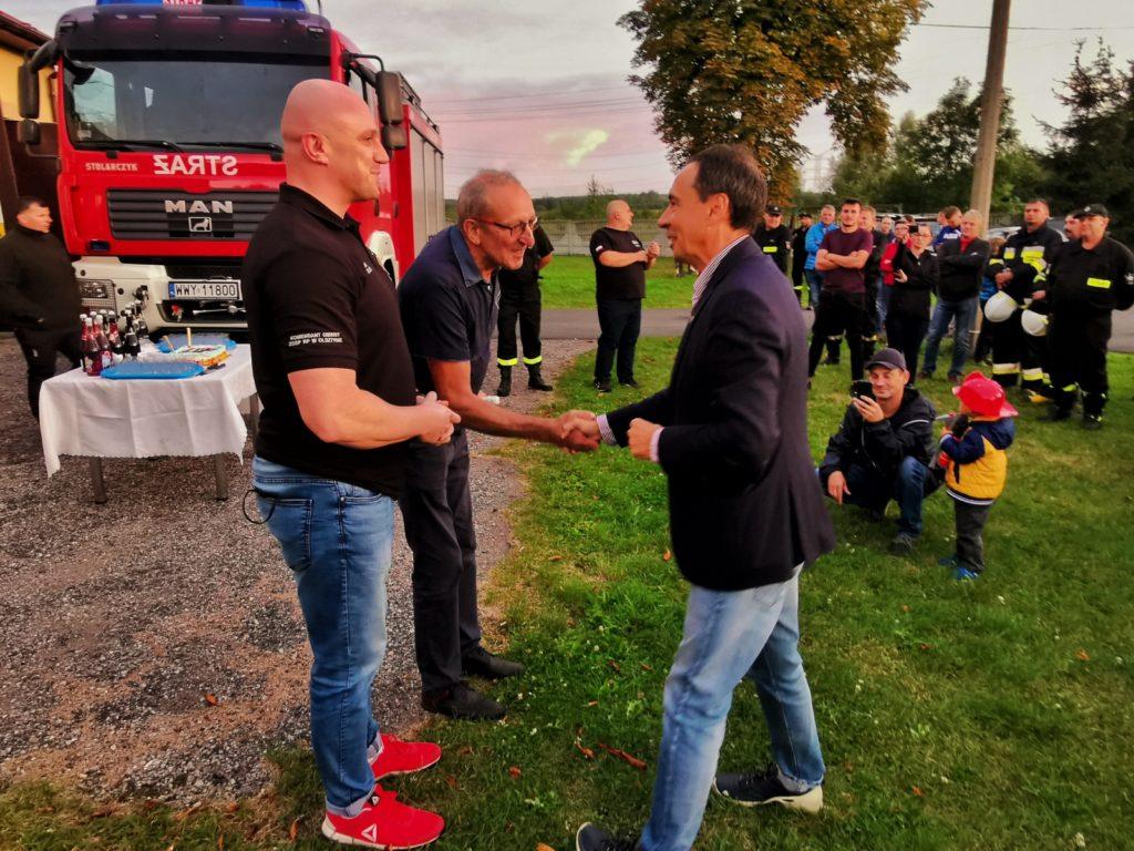 W Turowie witali zakupiony wóz strażacki 3