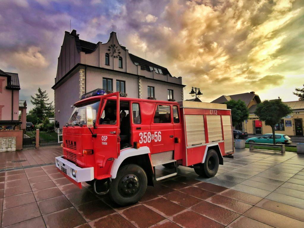 W Turowie witali zakupiony wóz strażacki 1