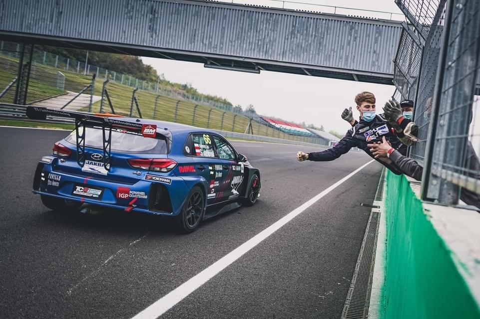 Bartłomiej Mirecki Mistrzem Europy Środkowej w wyścigach samochodowych 1