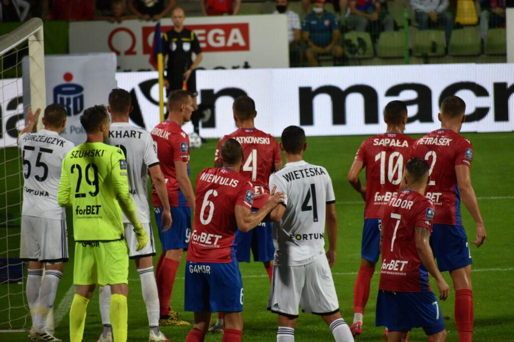 Raków już w sobotę gra w Warszawie finał Superpucharu, a Legia w środę wygrała 2:0 z norweskim FK Bodo/Glimt 2