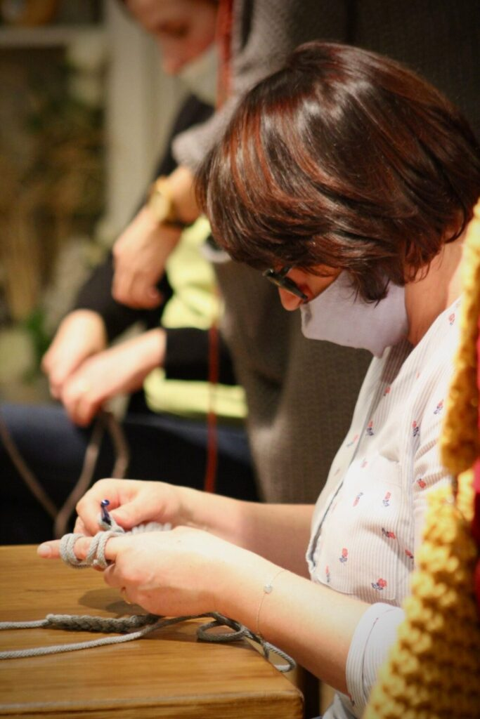 W Lublińcu w Galerii pod Glinianym Aniołem uczono szydełkowania 2