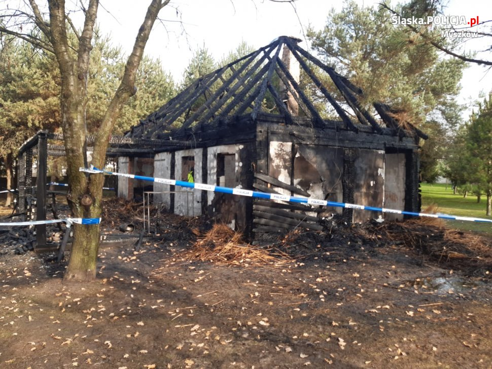 Tragiczny pożar w Myszkowie. W spalonej altanie znaleziono dwa ciała 2