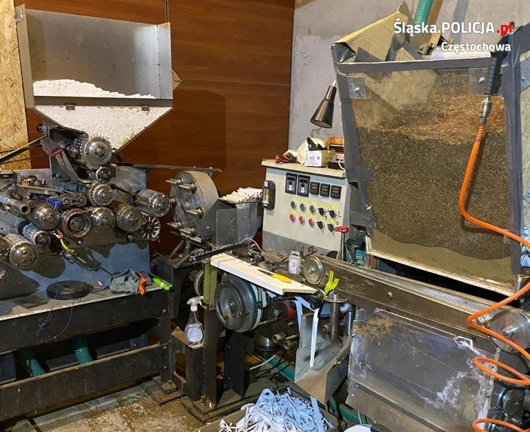 Częstochowscy policjanci wykryli nielegalną fabrykę papierosów. Działała ona w Wielkopolsce 1