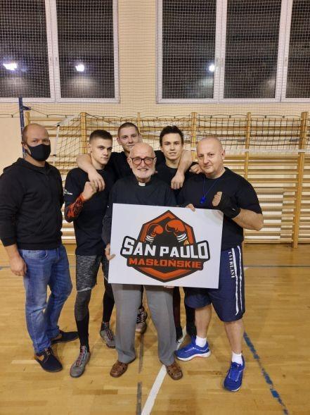 """Klub bokserski """"San Paulo"""" w nowych koszulkach od radnego 2"""