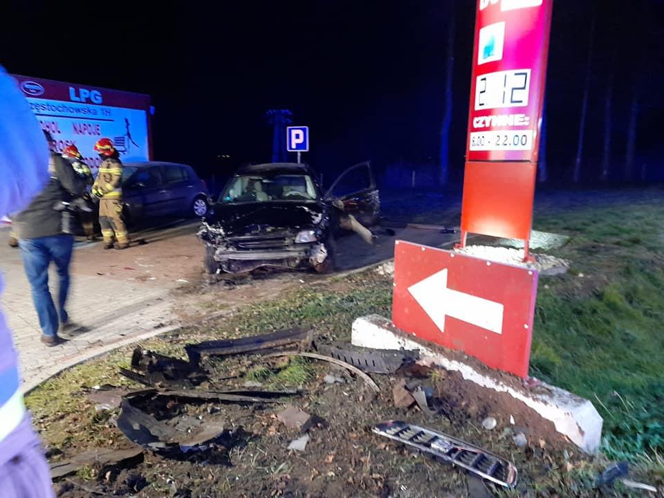 Cudem nie doszło do katastrofy. Pijany kierowca z impetem wpadł na stację paliw 1