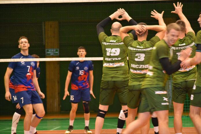 """Forma AZS Częstochowa lepsza od siatkarzy Talent Sferawent Cieszyn. To był mecz """"na szczycie"""" i hit jesieni... 11"""