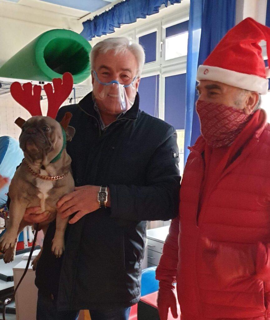Orszak św. Mikołaja z gwiazdami sportu i estrady dotarł do dzieci z niepełnosprawnościami i przywiózł prezenty. Upominki dotarły przed 6 grudnia 3