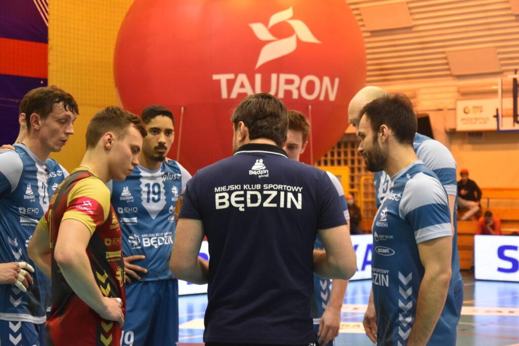 Siatkarze Exact Systems Norwid pokonali zespół z Plus Ligi i zagrają w finale siatkarskiego turnieju im. Prezydenta RP Lecha Kaczyńskiego 12