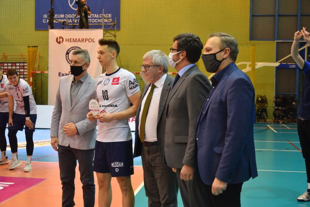 Siatkarze Exact Systems Norwid pokonali zespół z Plus Ligi i zagrają w finale siatkarskiego turnieju im. Prezydenta RP Lecha Kaczyńskiego 13
