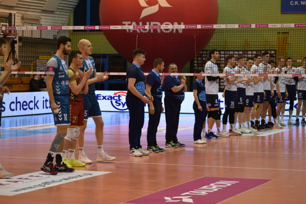 Siatkarze Exact Systems Norwid pokonali zespół z Plus Ligi i zagrają w finale siatkarskiego turnieju im. Prezydenta RP Lecha Kaczyńskiego 22