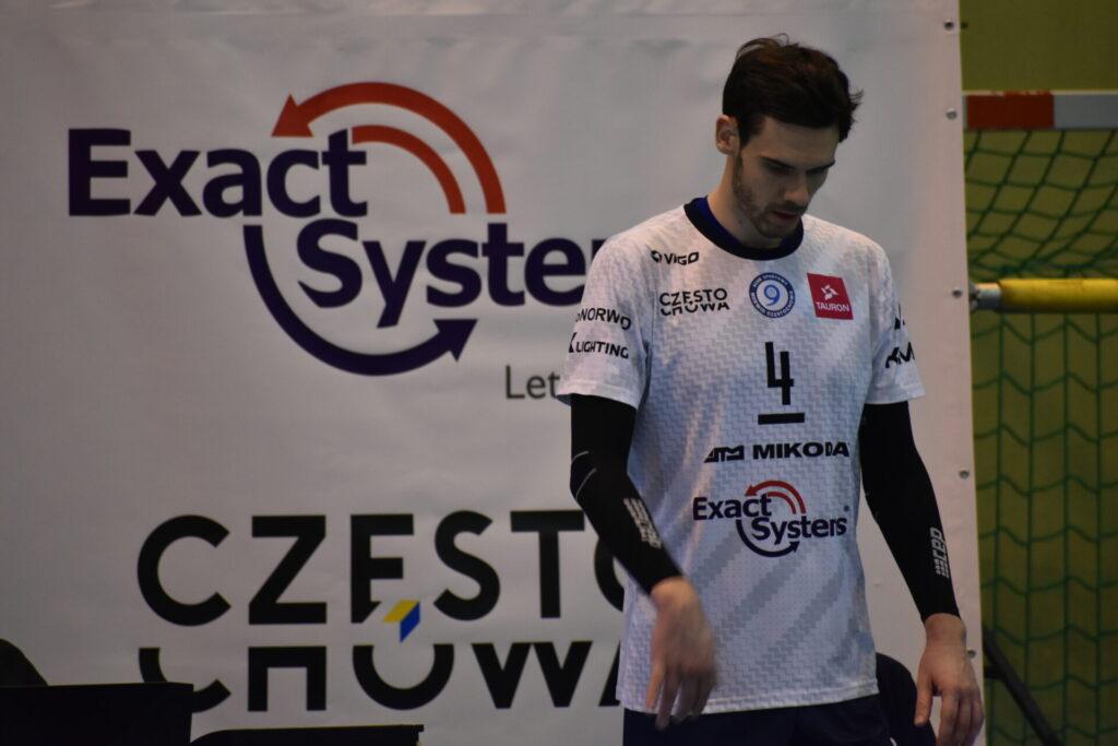 Exact Systems Norwid przedłużył kontrakt z Tomaszem Kowalskim, a w środę podejmuje Mickiewicza Kluczbork 1