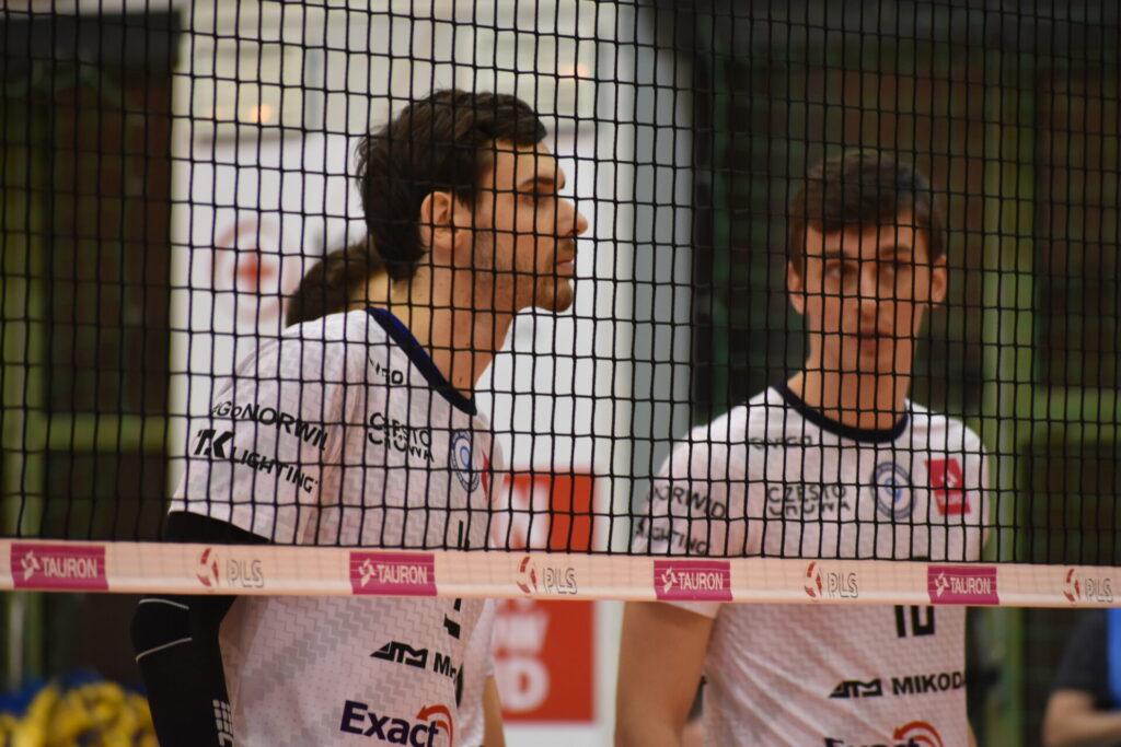 Siatkarze Exact Systems Norwid pokonali zespół z Plus Ligi i zagrają w finale siatkarskiego turnieju im. Prezydenta RP Lecha Kaczyńskiego 3