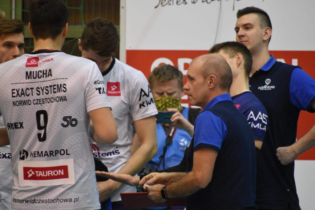 Siatkarze Exact Systems Norwid pokonali zespół z Plus Ligi i zagrają w finale siatkarskiego turnieju im. Prezydenta RP Lecha Kaczyńskiego 2