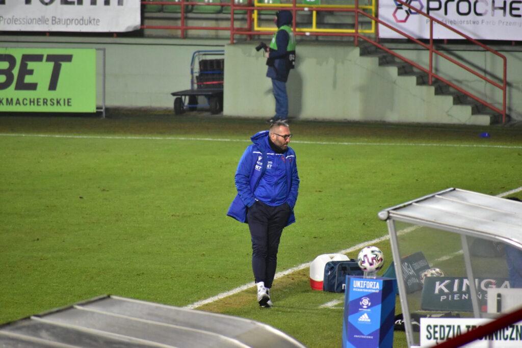 Raków pokonał Jagiellonię Białystok. 5 goli w Bełchatowie 18