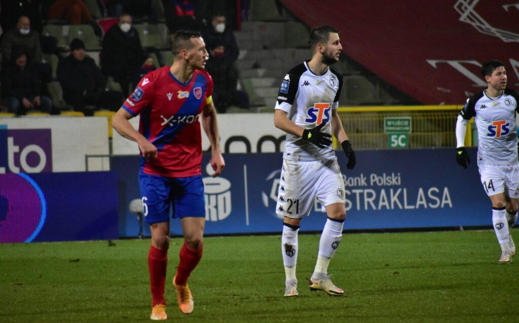 Raków pokonał Jagiellonię Białystok. 5 goli w Bełchatowie 4