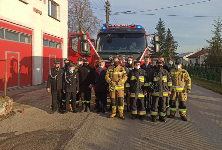 OSP z Lelowa otrzymała nowy wóz strażacki 1
